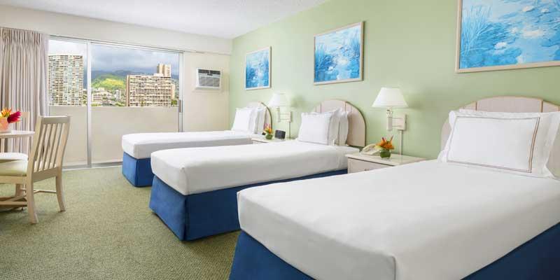 ベッドが3台入ったお部屋